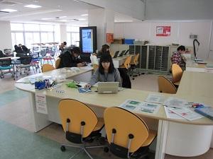 1F_information_desk.jpg